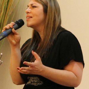 Jasmin Ziemann bei ihrem Auftritt bei der SPD in Bad Vilbel